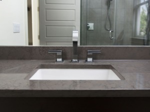 Istmo silestone with an eased edge.
